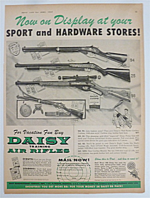 1958 Daisy Training Air Rifles With Display Of Guns