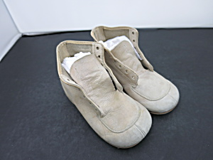 Vintage Baby Walking Shoe Size 3 And A Half