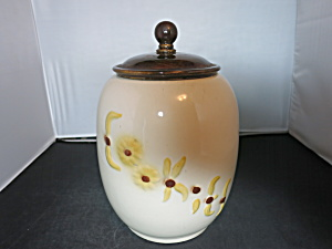 Hull Cookies Cookie Jar With Daisies