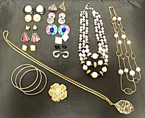 Costume Jewelry Lot 18 Piece Necklace Post Earrings