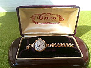 Vintage Winton Ladies Wristwatch W/box Works