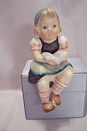 Occupied Japan Little Dutch Girl Shelf Edge Figurine