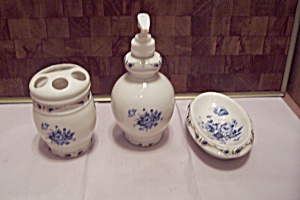 Porcelain Three Piece Bathroom Set