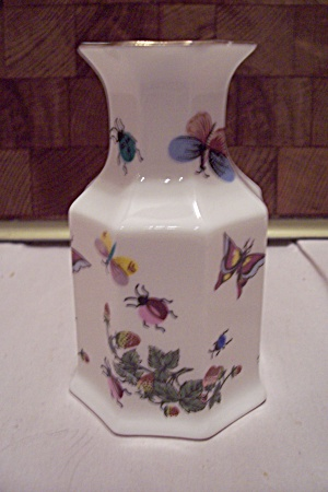 Porcelain Butterfly Decorated Small Eight Sided Vase