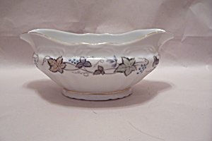 Style House Bordeaux Pattern Fine China Gravy Boat