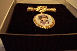 Avon President's Club Female Award Pin 96/97