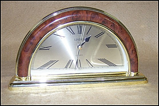 Novelty Half-moon Decorator Clock
