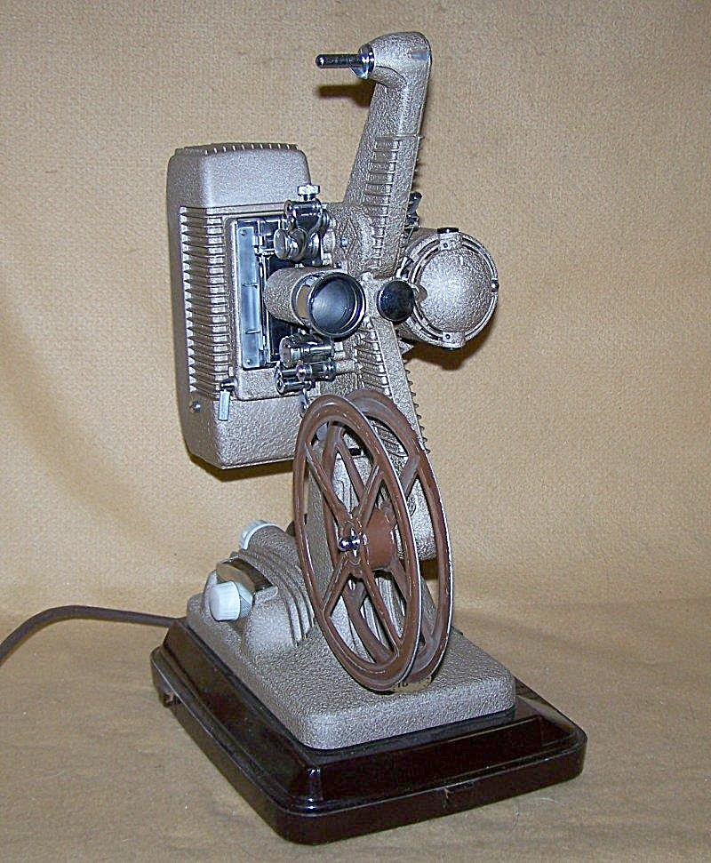 1940's Revere Model 48 16mm Movie Projector 7647