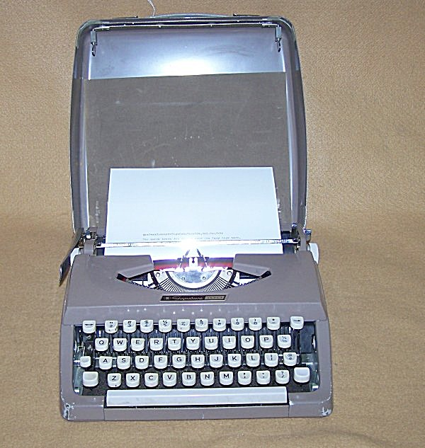 1950's Wards S-100a Mini Portable Typewriter 8139