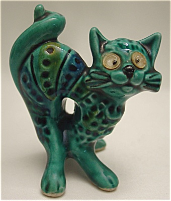 1970s Vintage Majolica Miniature Cat Figurine With Googly Eyes