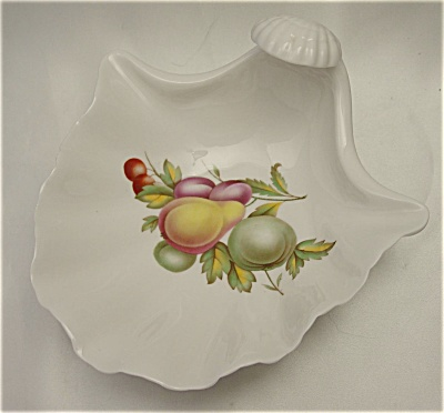 Spode Shell Dish / Bowl With Fruit Motif