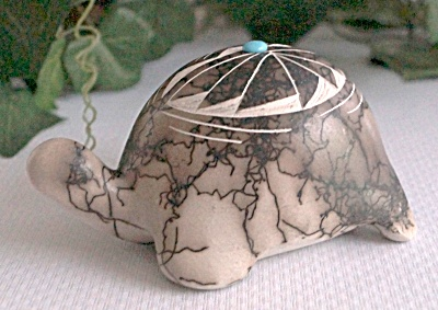 New Mexico Navajo Etched Horse Hair Turtle Pottery