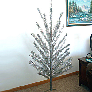 6.5 Foot 1960s Aluminum Christmas Tree Complete In Original Box
