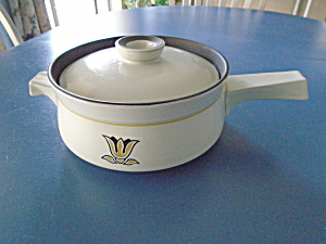 Denby Kimberly 2 Qt Covered Casserole W/stick Handle