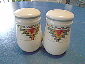 Mikasa Studio Nova Timberline Salt And Pepper Shakers