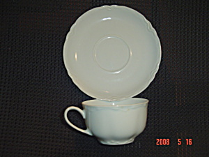Hutschenreuther Lorenz Cups And Saucers