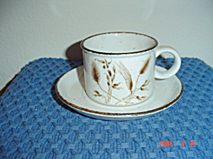 Midwinter Wedgwood Wild Oats Cups And Saucers