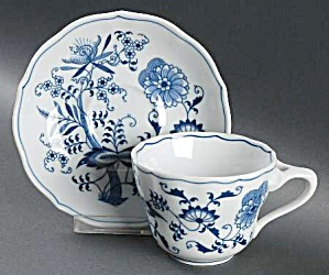 Lipper And Mann Blue Danube Sets Of Cups And Saucers