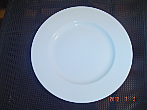 Crate & Barrel Diner Plain White Rimmed Dinner Plates