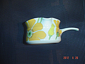 Metlox Poppy Trail Wild Poppy Handled Gravy Boat