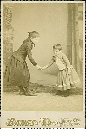 Cabinet Photo - Two Kids Bowing-shaking Hands