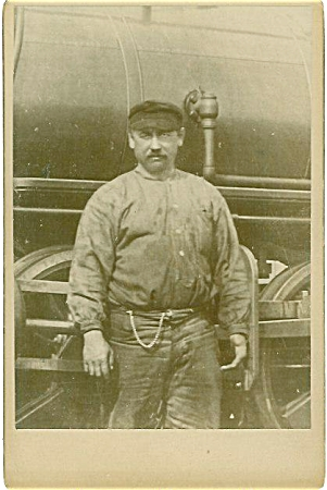 Cabinet Photo - Rr Engineer & Engine