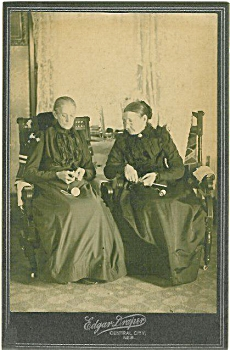 Cabinet Photo - 1880's Grannies Knitting