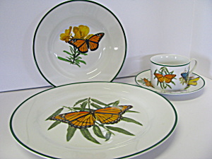 National Wildlife Federation Dinnerware Set