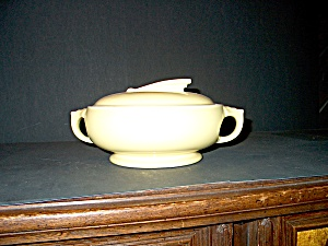 Hall Sundial Covered Casserole