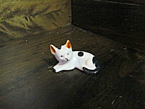 Vintage Japan Mini White And Black Cat Figurine