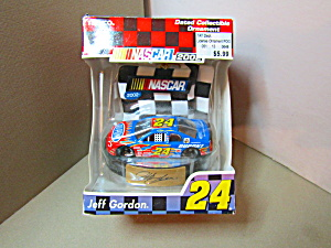 Jeff Gordon Nascar 2002 Model Ornament Racing Car