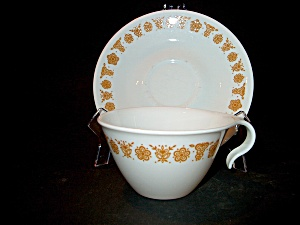 Vintage Corelle Buterfly Gold Hook Handle Cup/saucer