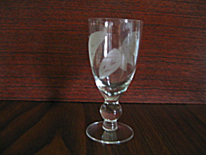 Vintage Ball Stemmed Leaf Etched Wine Glass