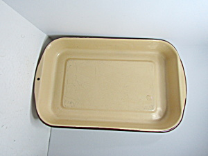 Vintage Enamelware Tan & Brown Cake Pan