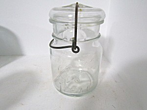 Vintage Ball Pint Ideal Bail Fruit Jar