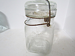 Vintage Queen Wire Bail Pint Fruit Jar