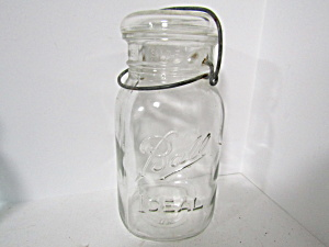 Vintage Ball Ideal Bail Fruit Jar Quart