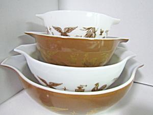 Vintage Pyrex Early American Cinderella Bowl Set