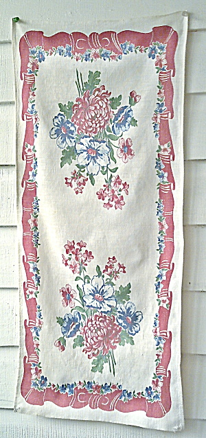 Kitchen Collectibles Dishtowel 1950s Flowers
