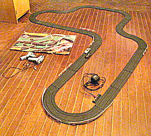 Matchbox Vintage Lemans 300 Racing Track W/ 2 Cars