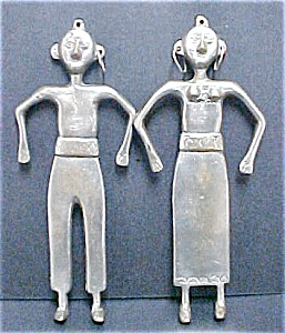 South Pacific Metal Couple Wall Hangings