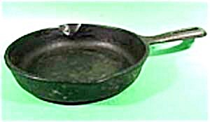 Wagner Ware No 3 Cast Iron Skillet