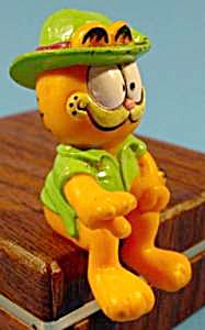 Garfield Sitter In Green Hat - 1981