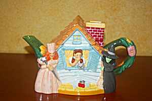 Dorothy And House Teapot