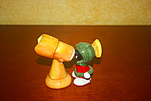 Marvin The Martian And Telescope Salt & Peppe