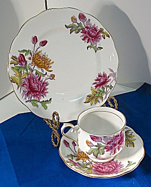 Royal Albert November 'flower Of Month' Chrysanthemum Trio Set