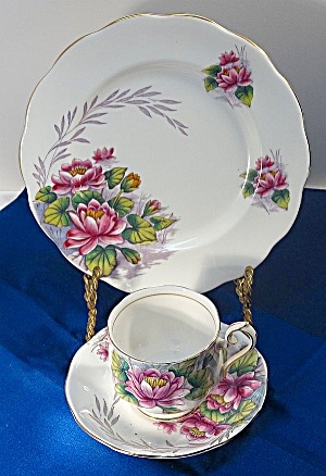 Royal Albert Flower Of Month Cup, Saucer, Plate Trio #7 Water Lily