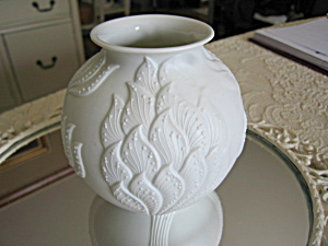Kaiser German Porzellan Bisque Vase