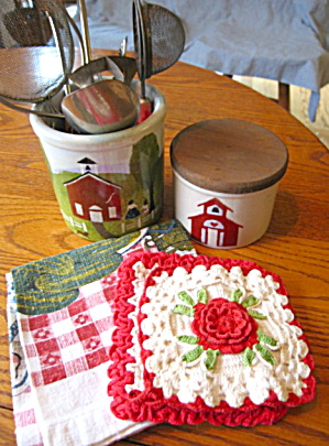 Ransbottom Crocks W/red Kitchen Collectibles