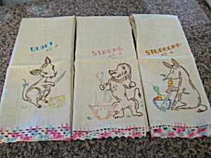 Vintage Embroidered Linen Towels